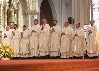 Pourquoi n'y a-t-il pas de femmes prêtres dans l'Église catholique ?