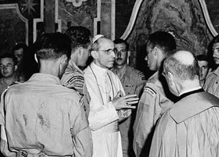 Le Saint-Siège s�est-il fait le complice du nazisme par son silence sur la Shoah ?