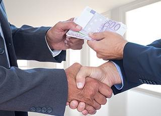 Pourquoi l��glise s�est-elle longtemps opposée aux prêts avec intérêts ?
